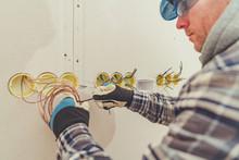 Electric Contractor Straighten...