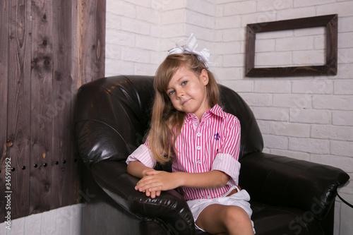 Little girl princess in beautiful holiday dress Slika na platnu