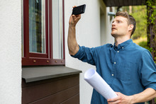 Real Estate Appraiser Taking P...