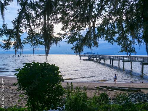 Obraz na plátně Mobile Bay beach at MayDay Park Pier in Daphne Alabama