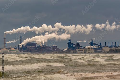 Fototapeta Lake Shore Industry and Citiscapes  obraz na płótnie