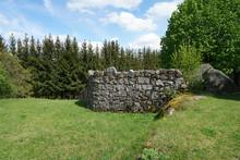 Artfully Built Walls With Natu...