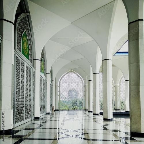 Interior Of Sultan Salahuddin Abdul Aziz Shah Mosque Canvas Print