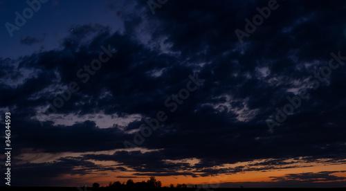 Photo Purple-magenta clouds
