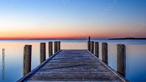 Obraz pier at sunrise - fototapety do salonu