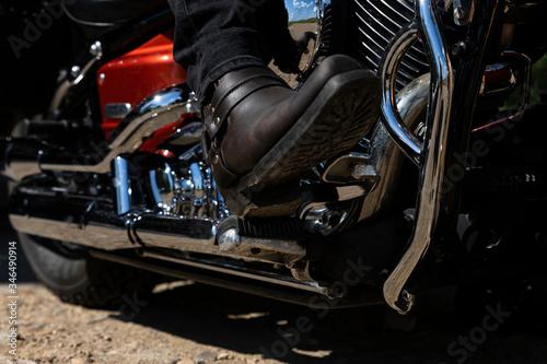Valokuva Biker riding a motorcycle