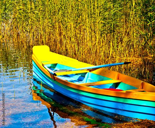 Fotografia Boat Moored At Lakeshore