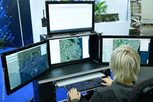Fotomural Military computer-assisted dispatch station for reconnaissance and coordination