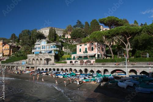 Plaża w Levanto, Liguria, Włochy - fototapety na wymiar