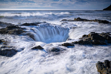Thor's Well At High Tide, Ca...