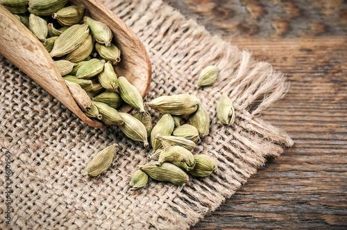 Fototapeta seasoning cardamom beans obraz