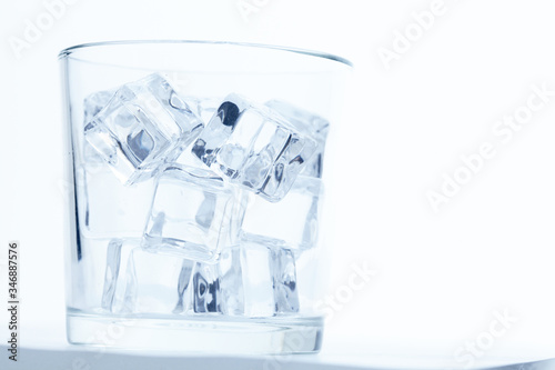 Fototapeta glass with ice cubes