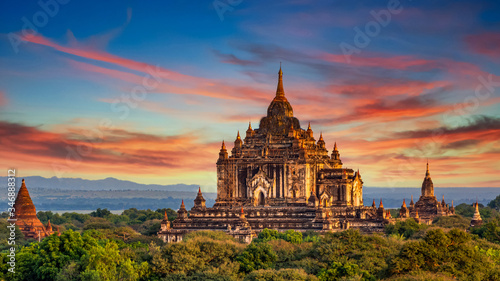 Asian ancient architecture archaeology temple in Bagan at sunset, Myanmar ananda temple in the Bagan Archaeological Zone Pagodas and temple of Bagan world heritage site, Myanmar, Asia фототапет