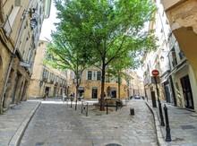 Rue D'Aix En Provence Avec Mai...