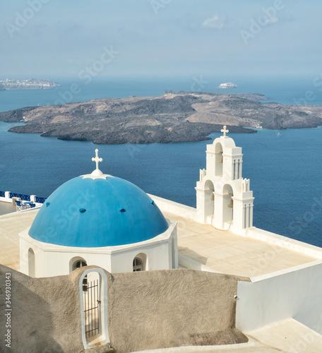 Fototapety, obrazy: White Church with blue dome at Oia, Santorini, Greek Islands