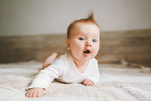 Cute Baby Infant Crawling At H...