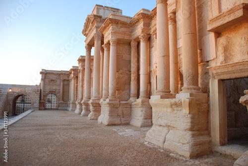 Fotografiet Historic Building In Syria