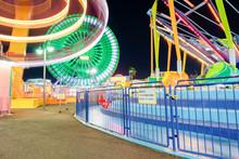 夜の遊園地