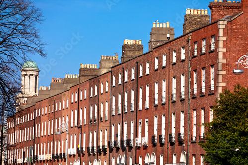 Obraz na płótnie Exterior Of Brick Building On Sunny Day