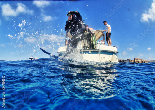 Nurkowanie wokół wyspy Comino (Malta). Wrak P31.