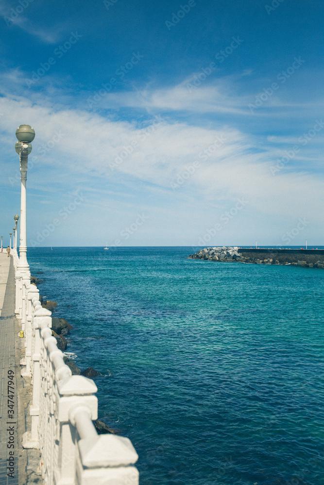Fototapeta Ocean i błękitne niebo