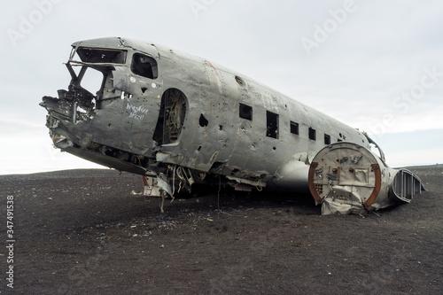 Obraz na plátně United states dc3 cargo plane wreck at Solheimasandur black lava beach in Iceland