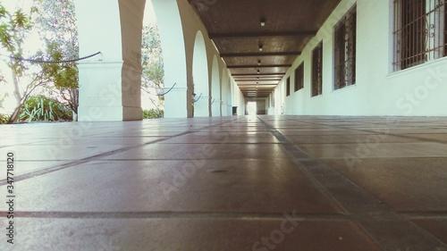 Fotografija Colonnade In Building