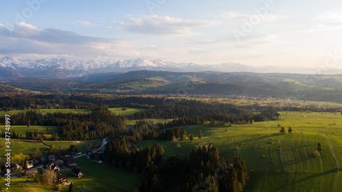 Fototapeta Rzepiska - Zakopane - Pejzaż na tatry - POLSKA wieś obraz