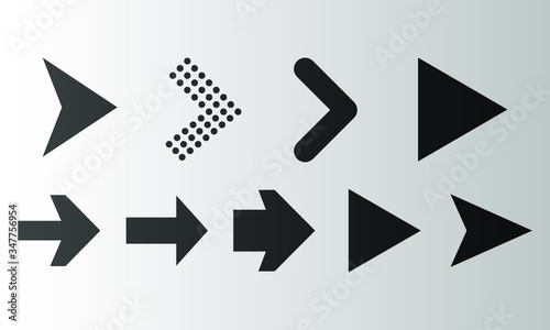 Tela Set of black arrow icon, direction sign on background gradient.