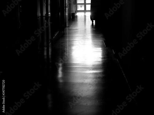 Obraz na płótnie Empty Corridor In School