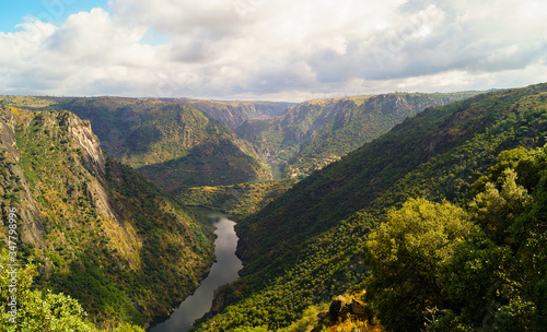 Fotomural view of the river in the mountains