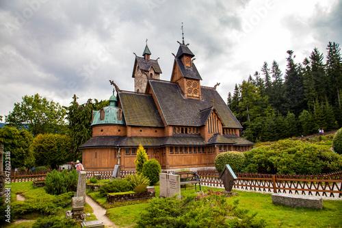 Obraz Świątynia Kościół Wang Sudety Karpacz Śnieżka góry - fototapety do salonu