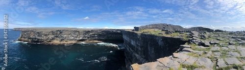 Photo Aran Island Cliffs in Ireland Landscape