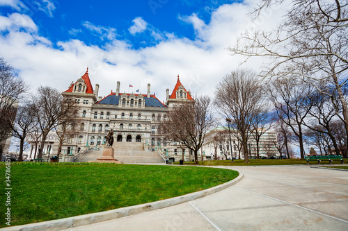 Fototapeta East Park and New York State Capitol building panorama with statue of General Ph