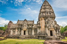 Historic Prasat Hin Phimai Cas...