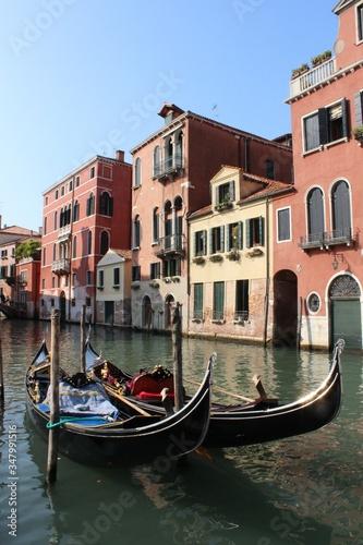 Fototapety, obrazy: Beautiful Gondolas in Venice