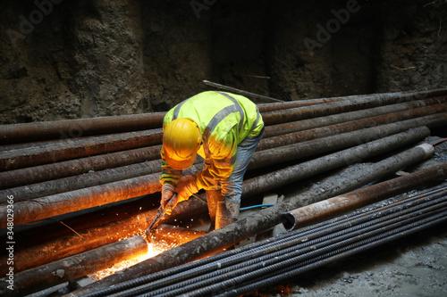 Valokuvatapetti an ironworker