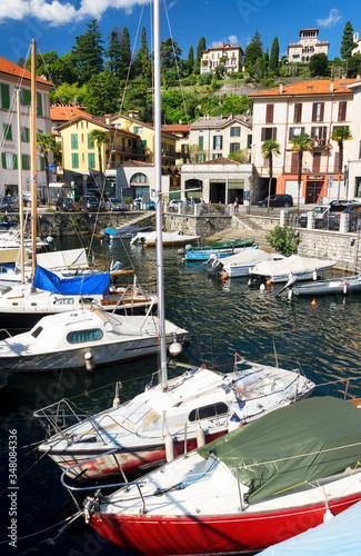 Valokuvatapetti Boats Moored At Lake Como