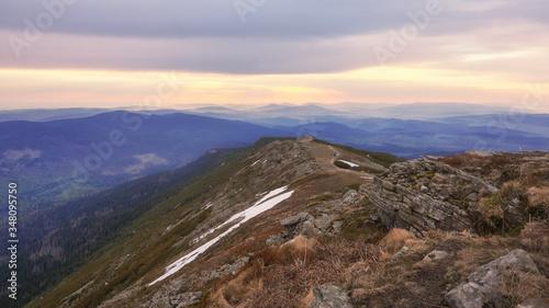 Fototapeta Babia Góra o poranku obraz