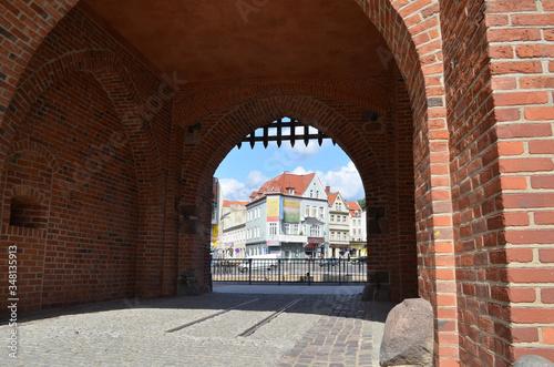 Fototapeta Olsztyn - Wysoka Brama z widokiem miasta/Olsztyn - High Gate with the city view, Warmia, Poland  obraz