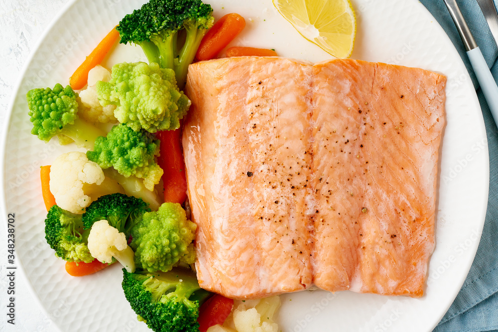 Obraz Steam salmon and vegetables, Paleo, keto, fodmap, dash diet. Mediterranean diet with steamed fish fototapeta, plakat