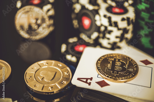 Fotomural Casino Chips Bitcoins And Diamond Ace Card.