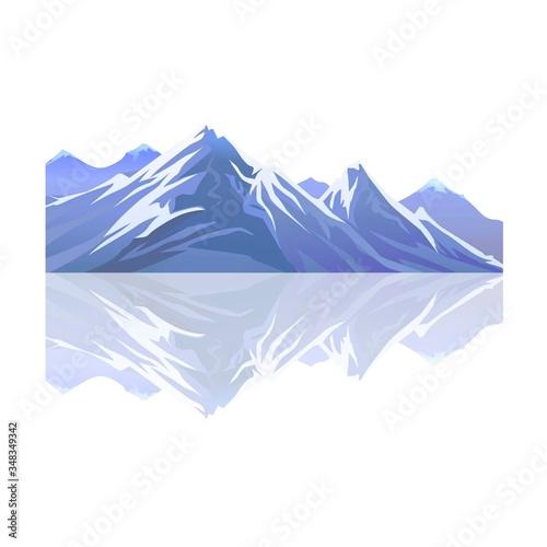 Montagne enneigée et reflet  #348349342