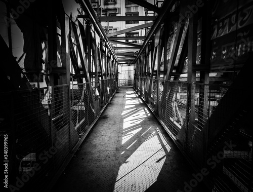 Stampa su Tela Metallic Footbridge In City