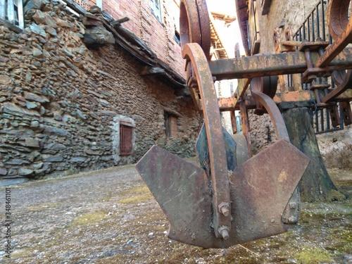 Photo arado antiguo en un pueblo de salamanca