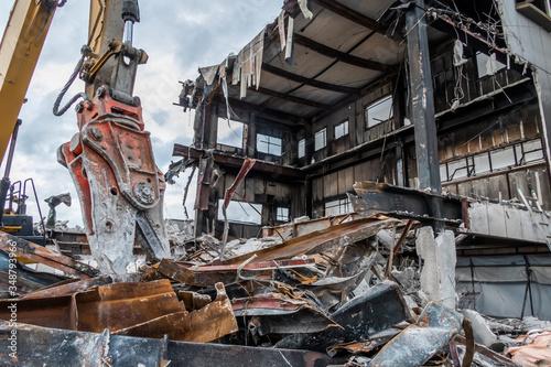 Obraz 建築物件解体現場(許可済み且つ、既に存在しない物件です) Demolition of buildings - fototapety do salonu