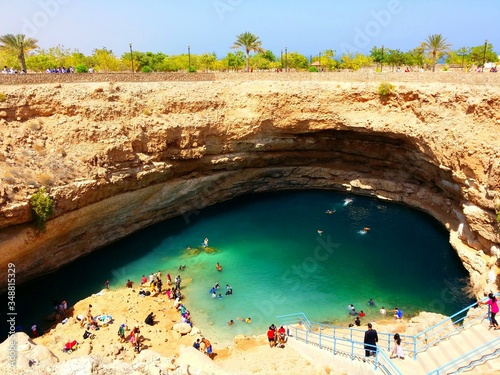 Canvas Print People Swimming In Sinkhole
