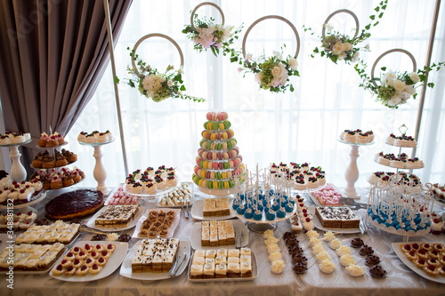 Photo delicious candybar with a lot of sweets