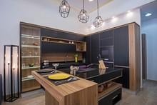 Modern Kitchen Design In A Lux...