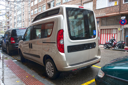Cuadros en Lienzo vehículo adaptado para persona discapacitada